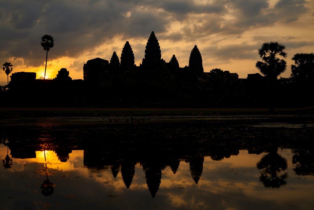 Silhouet af Angkor Wat i Cambodja