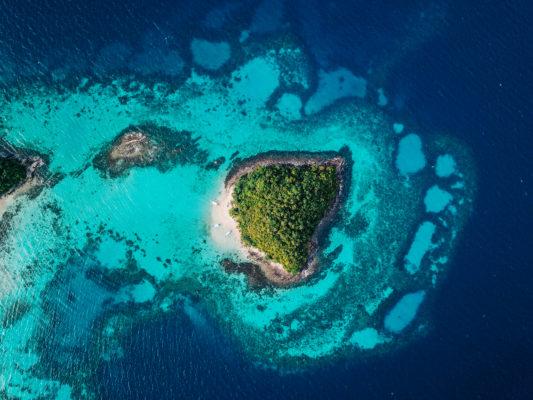 Ø ude i turkis hav